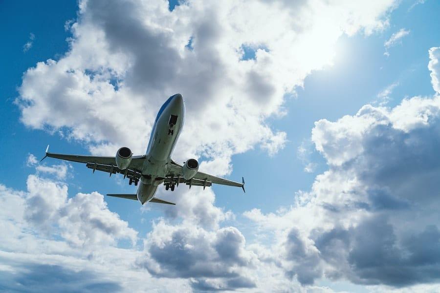 Partir en vacances en avion